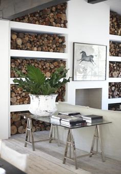 Creative ideas for interior firewood storage that keep wood handy and look attra… - Modern Firewood Storage, Firewood Logs, Firewood Rack, Deco Design, Interior Design Inspiration, Home And Living, Interior Architecture, Elle Decor, Living Spaces