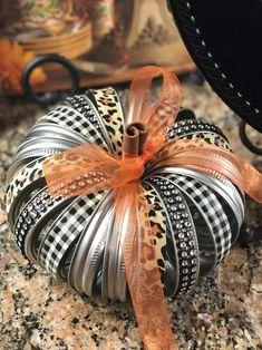 Mason Jar Lid Pumpkin - Small Size Lid - ✿ The Pumpkin Connection ✿ - amazing craft Jar Lid Crafts, Mason Jar Crafts, Fabric Pumpkins, Fall Pumpkins, Halloween Pumpkins, Thanksgiving Crafts, Fall Crafts, Rock Crafts, Christmas Crafts