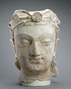 aleyma:Head of a Bodhisattva, made in Afghanistan in the 3rd-5th century (source).