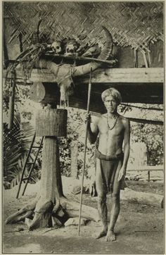 Igorot outside his house Tribal Tattoos, Native Tattoos, Filipino Culture, Philippines Culture, Filipino Tattoos, Historical Pictures, People Of The World, Borneo, Pinoy