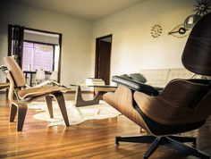 Interieur Design by Charles #Eames - Lounge Chair 1956 - Dining Chair Wood 1945 - #Noguchi Coffee Table 1945