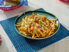 Get Southern Disco Fries Recipe from Food Network White Cheese Sauce, White Cheddar Cheese, Appetizer Dips, Appetizer Recipes, Soup Appetizers, Cheese Recipes, Disco Fries Recipe, Food Network/trisha, Fun Food