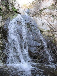 Here is a list of ten waterfalls that are less than an hour's drive from Los Angeles& well-known to Southern California hikers, some largely under the radar. California City, Southern California, Family Trips, Family Travel, Hikes In Los Angeles, Field Trips, Stunning View, Waterfalls, Things To Do