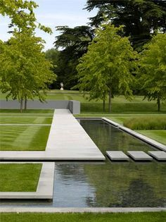 Why You Should Invest In Simple Water Features For Your Home Garden – Pool Landscape Ideas Contemporary Garden Design, Modern Landscape Design, Modern Landscaping, Contemporary Landscape, Outdoor Landscaping, Outdoor Gardens, Garden Modern, Contemporary Bar, Contemporary Furniture