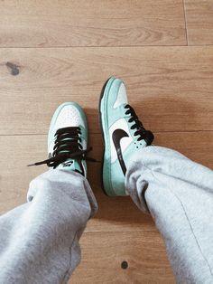 Streetwear, Nike Sb Dunks, Chuck Taylor Sneakers, Chuck Taylors, Skate, Shopping, Street Outfit