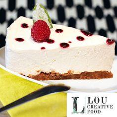Tea time ? Venez chez Lou Creative Food prendre un thé vert, un thé détox ou une infusion ayurvédique. Ou peut-être préférez-vous un café ? Espresso ou issu d'extraction douce ?  Forcément bio, il peut être accompagné (ou non !) d'une gourmandise, tel ce cheesecake made by Lou. Tous les après-midi sont gourmands chez Lou Creative Food ! :-)