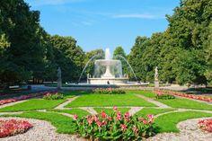 Location: Saxon Garden, Warsaw / Shutterstock