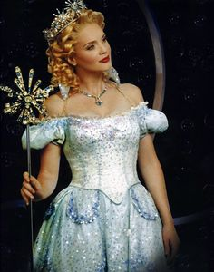 Jennifer Laura Thompson (Glinda) in the Broadway production