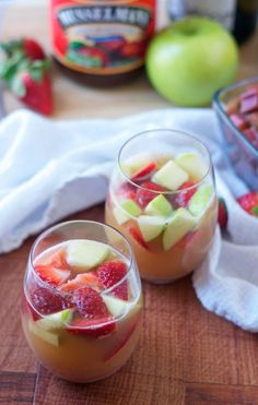 Sparkling Rhubarb Apple Sangria. A fresh, fruity cocktail perfect for spring and summer! - www.thelawstudentswife.com