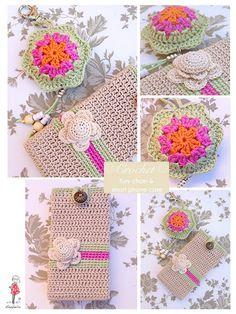 Funda de crochet para móvil y llavero a juego