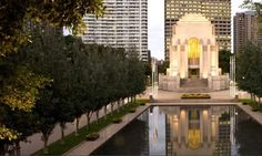 $0 / See / City / ANZAC War Memorial, Hyde Park / Great architecture and exhibitions - www.anzacmemorial.nsw.gov.au
