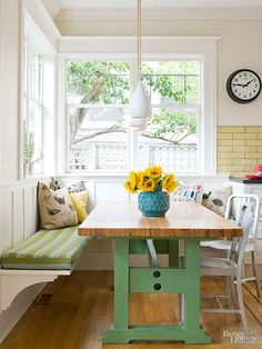 15 Cool Ways to Customize A Banquette A pop of paint on the table base makes this banquette a standout. Keep the seating casual and comfortable with an L-shape bench that remains open on the underside. Banquette Seating In Kitchen, Kitchen Table Bench, Dining Nook, Kitchen Decor, Farmhouse Table, Bench Seating Kitchen Table, Banquette Bench, Dining Tables, Bay Window Benches