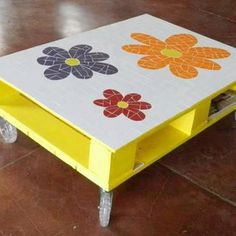 This would be such a cute little play table for Amber