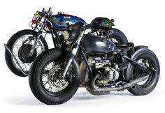 BMW mit Beiwagen für den Motorradtransport
