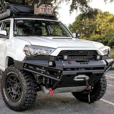 "5,348 Likes, 63 Comments - TOYOTASTRONG (@toyotastrong) on Instagram: ""#CLOSEUP Owner:@el_4runner Bumper: R1 by @proline4wdequipment ✔…"""