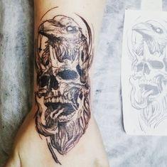Raven Tattoo, Black And Grey Tattoos, Tattoo Photos, Skull, Black And Gray Tattoos, Skulls, Sugar Skull