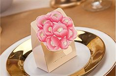100pcs Creative Gold Wedding Favor Candy Box Wedding Party Papar Box >>> More info could be found at the image url.