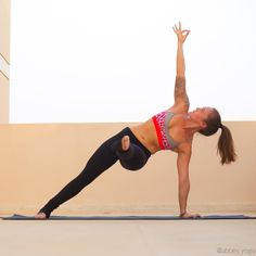 """""""Vasisthasana • Side Plank Here is an awesome variation of side plank to try out to really get into the core! Reaching the foot out and keeping it raised…"""""""