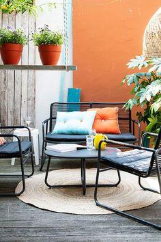 Alles wat je nodig hebt om je tuin of balkon gezellig aan te kleden vind je bij Intratuin. Laat je inspireren op onze site of bekijk het assortiment in één van onze winkels. Outdoor Chairs, Outdoor Furniture Sets, Outdoor Decor, Barbecue, Relax, Room Decor, Living Room, Inspireren, Garden