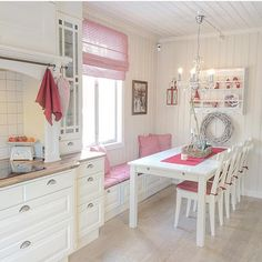 Source by Related posts: 90 Beautiful Small Kitchen Design Ideas √ 35 Best Small Kitchen Table: Pictures, Ideas & Designs Small Kitchen Ideas For Your Appartement Gorgoeus Tiny House Small Kitchen Ideas 49 Kitchen Corner, New Kitchen, Vintage Kitchen, Dining Corner, Corner Seating, Kitchen Office, Kitchen Interior, Kitchen Decor, Kitchen Ideas