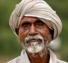 Old Man Portrait, Portrait Images, Watercolor Portraits, Watercolor Painting, Indian Face, Old Faces, Man Photography, We Are The World, Face Expressions