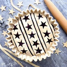 This Bourbon Cherry Pie with Star Cutouts recipe is featured in the Pies and Tarts along with many more Source by amfigs images Beautiful Pie Crusts, Bourbon Cherries, Pie Crust Designs, Pie Decoration, Pies Art, Pie Tops, Pie Crust Recipes, Cake Recipes, Pastry Art