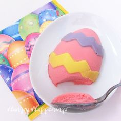 Put a lively twist on painting eggs this Easter by using cheesecake eggs! How to Paint Cheesecake Easter Eggs is a great idea for everybody. You can actually eat your artwork! Easter Egg Moulds, Easter Eggs, Easter Food, Egg Molds, Easter Stuff, Easter Cake, Easter Cookies, Easter Bunny, Holiday Treats