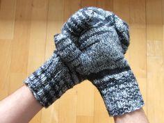 Neulotut lapaset Fingerless Gloves, Arm Warmers, Fashion, Fingerless Mitts, Moda, Fashion Styles, Fingerless Mittens, Fashion Illustrations