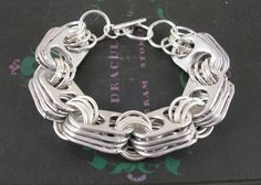 Yes! More soda tabs bracelet. I love this one.