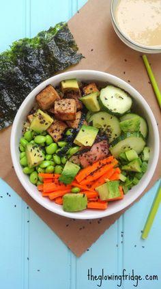 Plant Based Vegan Quinoa Edamame Sushi Bowl with a Tahini Wasabi Dressing. A deconstructed vegan sushi bowl. Tastes like sushi but is way easier to prepare. Vegan Sushi, Vegan Vegetarian, Buddha Bowl Vegan, Clean Eating, Healthy Eating, Healthy Meals, Healthy Food, Vegan Recipes, Cooking Recipes