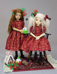 Simple Dress Pattern and tutorial designed to fit a Kaye Wiggs MSD, but will also fit other dolls with similar measurements.