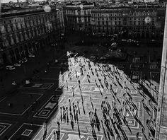 #aerialpic #milano #closeup #duomo #landscape #shadow #people #moving #perspective #blackandwhite #nikonitalia #nikonstagram #sonyimage #sonyitalia #milanodavedere #igersitalia #igersmilano #Picwantfrancescoferrari #Francesco_Ferrari_ph #PickersFrancescoFerrari #03qita  #02q #magnumphotos #natgeo #natgeocreative #natgeotravel by ferrari_francesco_ph