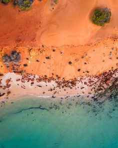 After a 2 hour soft sand 4WD in we made it to Cape Peron. The northern most point of Francois Peron National Park, Shark Bay 🌋💦 -  #canon_photos #canonaustralia #justanotherdayinwa #fromwhereidrone #australiascoralcoast #sharkbay #colors_of_day  #colors #lifeofadventure #aerialphotography #saltywings #seeaustralia