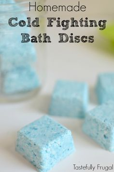 Homemade Cold Fighting Bath Discs: Keep coughs and colds at bay this winter with these descongestant discs that take just minutes to make AD Board: Grandma's Natural Home Remedies Cold Remedies, Natural Home Remedies, Asthma Remedies, Shower Bombs, Bath Bombs, Decongestant, Diy Spa, Home Made Soap, Homemade Beauty