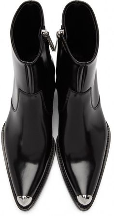 Calvin Klein for Men Collection Zara Boots, Mens Shoes Boots, Shoe Boots, Goth Boots, Trendy Mens Fashion, Mens Boots Fashion, Fashion Edgy, Fashion Photo, Fashion Ideas