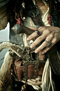 Find images and videos about pirate and jack sparrow on We Heart It - the app to get lost in what you love. Captain Jack Sparrow, Jack Sparrow Rings, Long John Silver, Johnny Depp, Pirate Life, Pirate Art, Pirate Theme, Pirate Boats, Pirate Ships