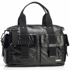 Le sac à langer Sofia Nylon est un nouveau modèle Storksak plus décontracté, spacieux et à la pointe de la mode.