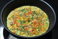 Oats egg omelette - Quick and easy 10 mins oats recipe for breakfast. Oatmeal is one of the healthiest and can be added to the diet in many ways Oats Recipes Indian, Ethnic Recipes, Egg Omelette Recipe, Egg Recipes For Breakfast, How To Cook Eggs, Macaroni And Cheese, Lunch, Stuffed Peppers, Dinner