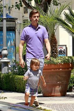 Scott Disick takes his son Mason shopping at Ralphs on July 15, 2012