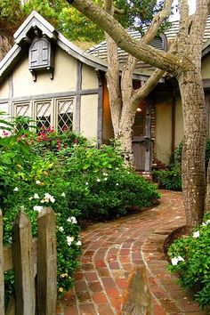 Cottage Landscape/Yard with Brick Pathway Tutorial, Mission split 8 in. x 4 in. x 1.63 in. tumbled clay brown flash paver