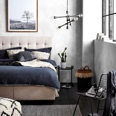 kip-simple-tufted-queen-bed-with-drawers-5