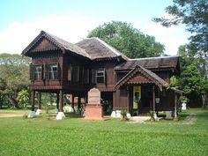 Rumah Tradisional Kedah, Alor Star by fitrikirk, via Flickr