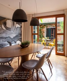 Open house - Andrea e Pedro. Veja: http://casadevalentina.com.br/blog/detalhes/open-house--andrea-e-pedro-2852 #decor #decoracao #interior #design #casa #home #house #idea #ideia #detalhes #details #openhouse #style #estilo #casadevalentina #diningroom #saladejantar