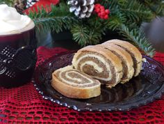 Mom's Nut Roll (Dios)…This is a great website with traditional Hungarian recipes. This looks delicious! Hungarian Desserts, Hungarian Recipes, Hungarian Food, Romanian Desserts, Hungarian Nut Rolls Recipe, Slovak Nut Roll Recipe, Polish Nut Roll Recipe, Hungarian Cookies, Christmas Desserts