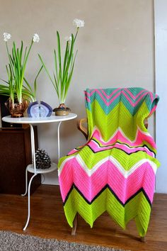Psychedelic Zigzag Chevron Afghan Wool Neon Pink by ohthisnose Chevron Crochet Patterns, Chevron Afghan, Chunky Knitting Patterns, Crochet Blanket Patterns, Crochet Ripple, Manta Crochet, Crochet Motif, Knit Crochet, Yarn Bee