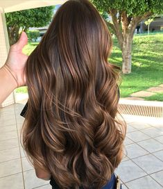 21 Stunning Examples of Caramel Balayage Highlights for 2019 - Style My Hairs Brown Hair Balayage, Brown Blonde Hair, Hair Highlights, Blonde Honey, Color Highlights, Luxury Hair, Silky Hair, Gorgeous Hair, Hair Looks