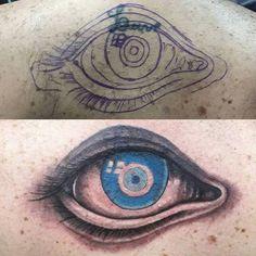 Cobertura feita em uma sessão. Olho realista com olho grego. Tem aquela Tattoo indesejada? Venha marcar seu horário e conversar sobre seu projeto. Ficamos na rua 15 com a rua 24 no st. Marista. Wpp: 62 8593.8875 by marolainkshop http://ift.tt/1OSH96C
