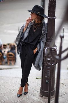 Fall will be back before you know it, so get your wardrobe ready now with our top cute fall outfits to inspire you this fall &help you put together cute outfits Estilo Fashion, Fashion Mode, Look Fashion, Ideias Fashion, Womens Fashion, Fashion Trends, Fashion Images, Paris Fashion, Style Casual