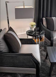 Tabletop arrangement: Manor House - Casa do Passadiço.