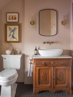Home Interior Living Room blush pink bathroom.Home Interior Living Room blush pink bathroom Decoration Bedroom, Decoration Table, Blush Bathroom, 1920s House, Decoration Christmas, Vintage Bathrooms, Remodled Bathrooms, Vintage Bathroom Decor, Diy Décoration